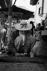 .001: Valle de Bravo (Daniel Ivn) Tags: street portrait blackandwhite white black blancoynegro mxico portraits mexico blackwhite calle retrato streetphotography streetportrait retratos mexique 365 valledebravo blackwhitephotography blackwhitephoto 2015 blackwhiteportraits blackwhitephotos fotografadecalle danielivan danielivn retratodecalle nx1000 samsungnx1000