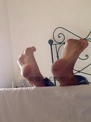 IMG_0656C (CrsConcreteCpl) Tags: toes sweaty barefeet sonia soles stinky cutefeet