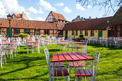 Redy for guests (Infomastern) Tags: caf bench table chair kaf ystad bckahstenskaffestuga