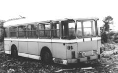 Casse Demolition - atana studio (Anthony SJOURN) Tags: auto white black bus car metal studio noir pieces demolition voiture 2cv anthony casse blanc rouille atana empilement limaille sjourn