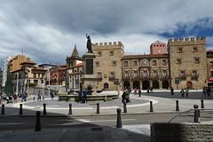Plaza del Marqus (Asturiano) Tags: plaza del nikon asturias marques gijon pelayo 18140
