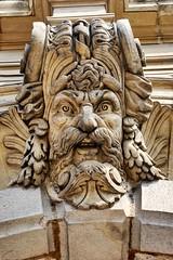 La gargouille de l'htel de ville (Le Tonio) Tags: sculpture gargouille faade tte hteldeville valenciennes