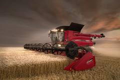 Case IH Axial Flow 9240 night shift (Case IH Europe) Tags: night flow wheat farming shift case combine agriculture harvester harvest