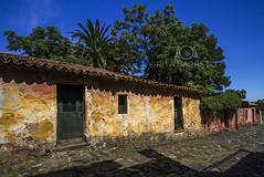 Rua de Colonia (Rita Barreto) Tags: uruguay colonia rua amricadosul coloniadelsacramento ruadelcolonia cidadehistricadouruguay ruadepedrasemcoloniadelsacramento