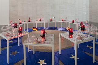 CONCHA JEREZ. Golden StarsÔÇÖ Media Food (1994-2014). Foto Miguel Quintas. Exposición MUSAC