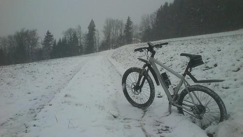 im Schnee mid gschaide Bremsn jucheee ...