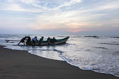 Riding in to the sea.. (Aravindan Ganesan) Tags: canon boats fishermen marinabeach roi cwc morningtime canon600d rootsofindia chennaiweekendclickers chennaiweekendclicker tokino1116 mychennai