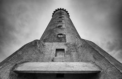 king (Andrei-Dragos) Tags: bw building architecture blackwhite king wide