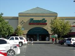 Foods Co Bakersfield, CA (COOLCAT433) Tags: ca white foods owned co bakersfield kroger ln 1801 cakrogerowned foodsco1801whitelnbakersfield