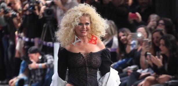 """Xuxa comenta retorno às passarelas: """"Foi legal viver os anos 80 de novo"""""""