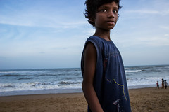 Puri_July_2016_0155 (Satyaki Basu) Tags: boy sea people india beach canon kid places orissa f28 puri bayofbengal 1755 600d odisha