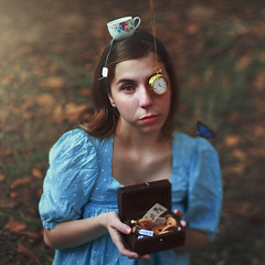[ Magic is Real ] - The Wonderland Girl (Diogo Costta) Tags: alice wonderland aliceinwonderland tea teacup cup treasure drink me drinkme eatme eat cookies biscuits dress blue melancolie blond clock relgio mad madhat hatter pointer dof freelens freelensing butterfly eye fairytale fairy