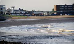 05-IMG_3709 (hemingwayfoto) Tags: bremerhaven deutschland frh gebude kste lichtstimmung morgens nationalpark niedrigwasser norddeutschland nordsee sonnenaufgang strand strandbad vogel wattenmeer wellen