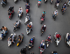 DSCF5914 (manuzirnheld) Tags: bangkok madmax traffic bts fujix20 fujifilm ratchaprasong victorymonument