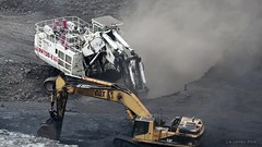 Terex and CAT (Video) (Photons of Days Past) Tags: ef70300mmf456isusm cabinrunroad surfacecoalmine alleganycounty maryland frostburg canoneos6d terex rh120e cat caterpillar
