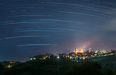 Startrail over San Gimignano (Mat Viv) Tags: canon canon760d canont6s canoneos760d canoneost6s 760d t6s sigma sigmalens sigma1750mmf28 longexposure stars startrail night nightsky nightview nightphotography starscape landscape skyscape sky view travel italy tuscany sangimignano outdoors beauty beautiful village urban city rural