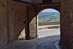 Puerta de entrada / salida a la Villa de Pedraza, (Segovia) (M Roa) Tags:
