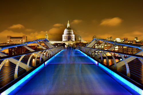 Millennium Bridge & St. Pauls Cathedral
