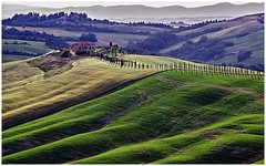 Tuscany Hills (kurtwolf303) Tags: toscana tuscany italien italy italia landscape landschaft scenery field feld hills hügel canon eos 600d building gebäude villa 250v10f topf50 500v20f topf75 1000v40f topf100 minimum1000v minimum1500v 1500v60f canoneos600d canont3i greatphotographers minimum2000v unlimitedphotos thebestpicturegallery topf150 2500 3000views 3000v120f minimum3000v 4000views infinitexposure lightshadows topf200 5000views 6000views flickrelite 7000views topf250 8000views topf300 9000views 10000views topf350 11000views digitalphotography outdoor topf400 kurtwolf303 12000views 13000views 14000views 15000views 16000views 17000views topf450