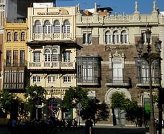 Cajas en Sevilla (collage42 Pia M.-Vittoria S.) Tags: street sevilla andalucia espana ventanas lamps andalusia architettura lampioni banks spagna balcones finestre fachadas siviglia balconi cajas facciate banche