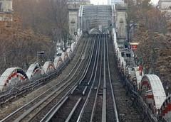 Métro aérien - Elevated subway, Paris (blafond) Tags: paris france subway metro tracks ubahn rails elevated ligne2 line2 metroaerien