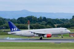 OY-KAR SAS Airbus A320-232 at Manchester Airport (Simon.Davison.Photography) Tags: plane canon manchester aircraft aviation flight passenger sas 70200 a320 manchesterairport airbusa320 canon70200 a320232 airbusa320232 canon6d ringwayairport oykar
