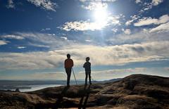 reyes de nuestro mundo (RalRuiz) Tags: madrid david contraluz paisaje jorge cielo nubes senderismo manzanareselreal comunidaddemadrid lapedriza cuatrotorres embalsedesantillana