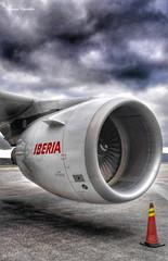 turbina-ibe (Manu Varela - Fotografa Aeronutica y algo ms) Tags: espaa fun spain corua jet galicia airbus avin aeropuerto spotting reactor ib a320 iberia leco turbina a319 a321 lcg spotters alvedro ibe aeronave