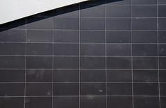 _DSC3112 (adrizufe) Tags: wall grey gris nikon ngc sombra durango basquecountry lineas abadio estaciontren inacabado trengeltokia nikonstunninggallery aplusphoto d7000 adrizufe