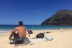 Ideal (Kimberly C. Lee) Tags: makapuu hubbahubba hawaiibeach makapuubeach beachlounging
