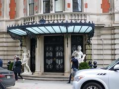 New York, NY Upper East Side (army.arch) Tags: door nyc newyorkcity ny newyork entrance uppereastside