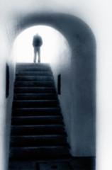 The Sad Farewell (Repp1) Tags: bw blur monochrome nb softfocus archway manwalking flouartistique votedentre hommemarchant