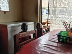 Travelling around Uganda (Lunch time in Nombi) (MadGrin) Tags: africa orientale uganda repubblica travel viaggio westernregion uga