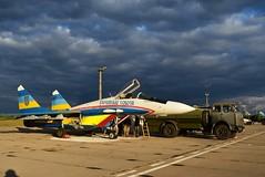 Пілоти двох бригад повітряного командування «Центр» вдосконалюють професійну майстерність вдень і вночі в складних метеоумовах (Ministry of Defense of Ukraine) Tags: армия армія полльоти всу зсу авіація авиация миг29 су27 ато польоти