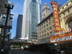 State Street 11 - Chicago Theatre (worldtravelimages.net) Tags: chicago statestreet theatredistrict 2016 worldtravelimages