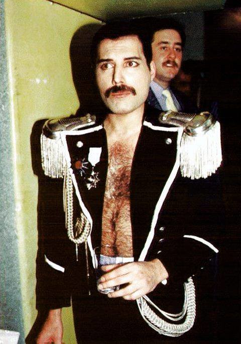 freddie mercury research paper Freddie mercury's former girlfriend upset his fans by removing a our paper paper freddie mercury's ex causes outrage after removing shrine to rock.