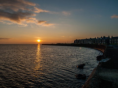 Troon Sunset (Graham Maxwell) Tags: street uk houses sunset sea beach wall scotland clyde south scottish shore firth troon ayrshire
