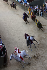 Il Palio di Siena (T.Cochrane) Tags: italy horse race canon 50mm f14 august il siena 16 palio 2011 550d t2i