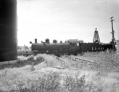 [Atchison, Topeka, & Santa Fe, Locomotive No. 1100 with Tender, Broadside] (SMU Central University Libraries) Tags: trains railways locomotives railroads tenders atsf railroadyards atchisontopekaandsantaferailwaycompany atchisontopekasantaferailwaycompany