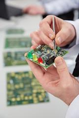 Electrnica y comunicaciones en IK4-TEKNIKER (IK4-TEKNIKER) Tags: hardware software informtica telecomunicaciones electrnica lser sensores sistemasembebidos