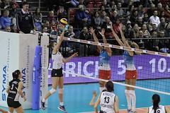 GO4G0125_R.Varadi_R.Varadi (Robi33) Tags: game sport ball switzerland championship team women action basel tournament match network volleyball volley referees