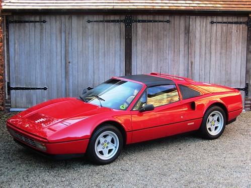 Ferrari 328 GTS (1986).