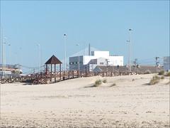 Cortadura (gus_donosti) Tags: beach edificios playa cdiz farolas cortadura