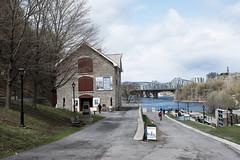 Rideau Canal (nacim.khodja) Tags: canada heritage tourism architecture landscape canal nikon cloudy outdoor ottawa parliamenthill rideau patrimoine streetphotographie d7100