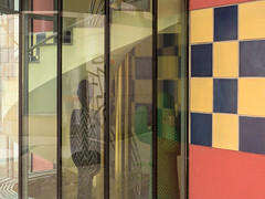 Wendeltreppe (alte_eule) Tags: wendeltreppe treppenhaus architektur frankfurtammain dekoration glas lumixg3 fenster hauseingang