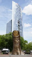 Cesar's Le Pouce with a skyscraper - La Defense (Monceau) Tags: ladfense csar lepouce thumb massive sculpture skyscraper comparison