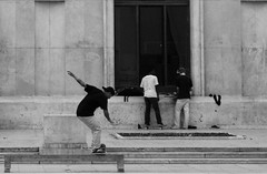 Palais de Tokyo (Greg Vedrenne) Tags: supreme skateur palaisdetokyo skate