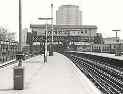 Charing Cross (Lost-Albion) Tags: charingcross britishrail sr secr signalbox tsbg 1974