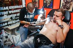 Anglų lietuvių žodynas. Žodis tattooer reiškia tatuiruotė lietuviškai.