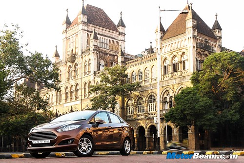 2015-Ford-Fiesta-Long-Term-08